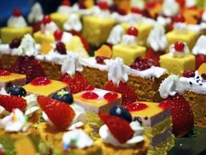 cakes-489849_1280